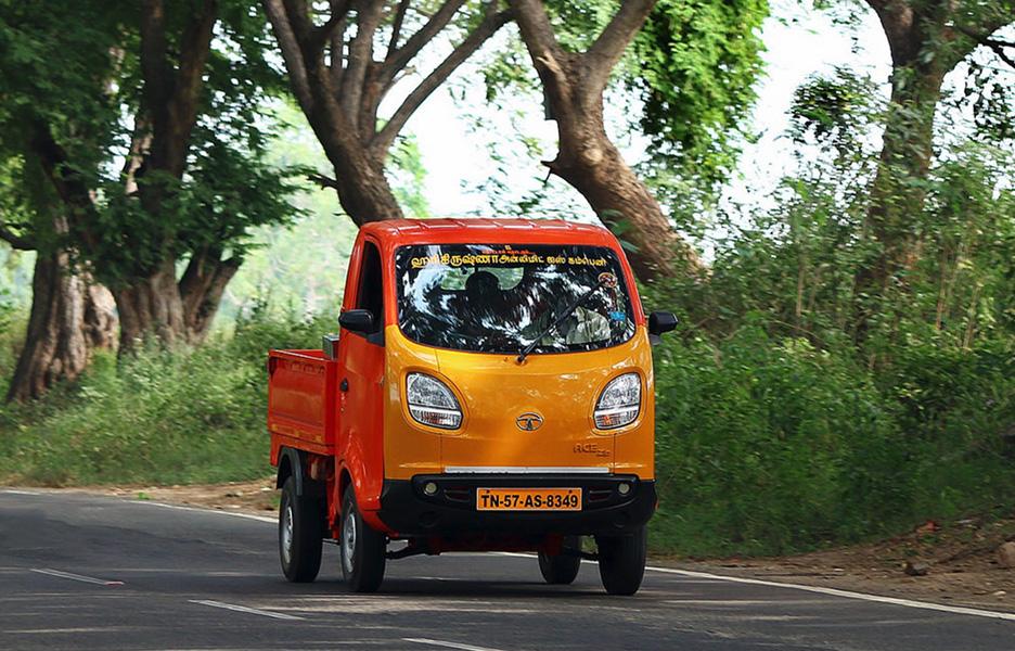 Blowhorn! Mini-Trucks on hire in Bengaluru/Hyderabad/Chennai